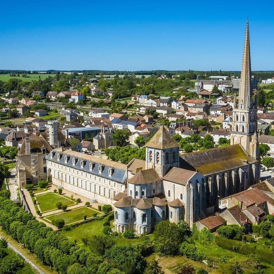 Abbaye de Saint Savin crédit photos -Gcom